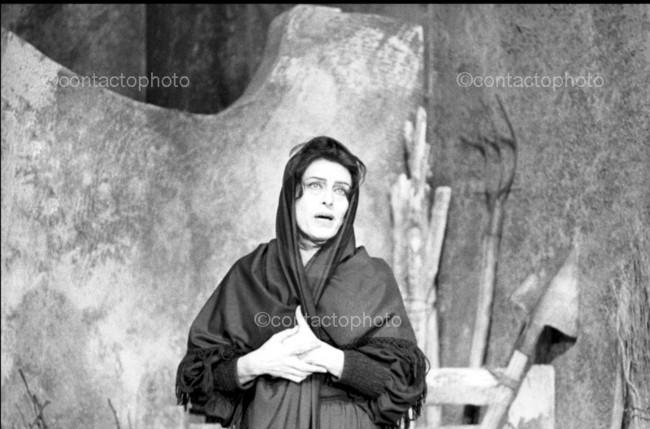 Anna Magnani in La Lupa