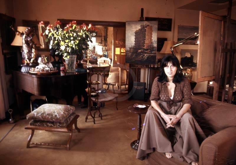 Magnani Anna nel suo studio