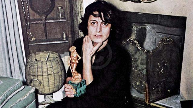 Anna Magnani con il David di Donatello