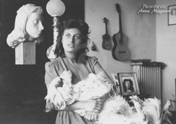 Anna Magnani con cane