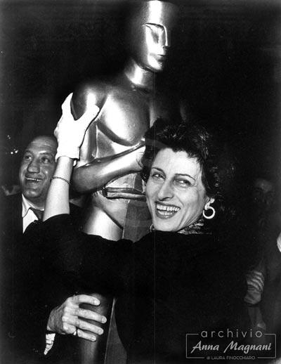 Vince l'Oscar Anna Magnani
